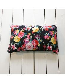 KUSSEN Rechthoek 30x50 voorkant bloemen, achterkant zwart wol